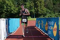 Lars Heppner kommt ins Ziel - Mörfelden-Walldorf 18.07.2021: MoeWathlon
