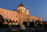 Kunsthistorisches Museum und Brunnen am Maria-Theresien-Platz, Wien, Österreich, UNESCO-WeltkulturerbeMuseum of Fine Arts, Vienna, Austria, world heritage