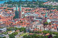 Innenstadt von Lübeck aus der Luft: EUROPA, DEUTSCHLAND, SCHLESWIG- HOLSTEIN, LÜBECK, (GERMANY), 29.06.2005: Innenstadt von Lübeck aus der Luft