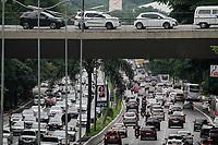 18.12.2019 - Trânsito na avenida 23 de Maio em SP