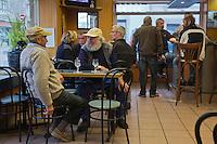 Europe/France/Pays de la Loire/44/Loire Atlantique/Presqu'île Guérandaise/ La Turballe:  Le Port de pêche,  Pêcheurs au bistrot du port  Fishermen bistro port  //   France, Loire Atlantique, Guerande Peninsula, La Turballe Sardinier fishing port,   Fishermen bistro port