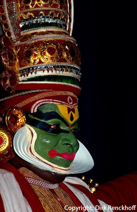 Indien, Cochin   Kathakali-Tanz Yayanthan, Sohn v.Indran (König des Himmels)