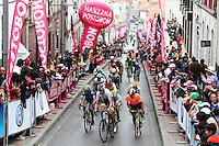 TUNJA - COLOMBIA- 21- 02-2016: Ciclistas, durante la prueba ruta categoría Elite hombres con recorrido entre las ciudades de Sogamoso y Tunja en una distancia 174,6 km kilometros de Los Campeonato Nacionales de Ciclismo 2016, que se realizan en Boyaca. / Cyclists, during the Elite test individual route men conducted  between the towns of Sogamoso and Tunja at a distance of 174,6 km of the National Cycling Championships 2016 performed in Boyaca. / Photo: VizzorImage / Cesar Melgarejo / Cont.