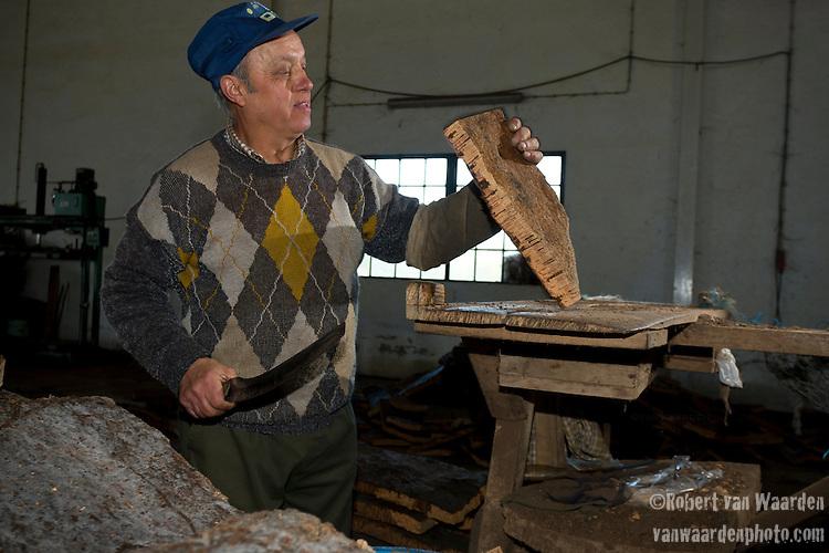 Trimming the Cork in San Bras de Alportel