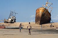 - abandoned ships destroyed during the civil war on the beach of Beira ( region of Sofala )....- navi abbandonate distrutte durante la guerra civile sulla spiaggia di Beira ( regione di Sofala )