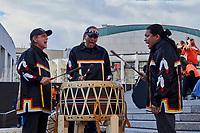 Finale de la Marche pour la Réconciliation, le 30 septembre 2021, sur le parvis de la Place des arts.<br /> <br /> Il s'agit de la 1ere journée de commémoration des enfants des pensionnats.<br /> <br /> en Photo : Buffalo Hat Singers<br /> <br /> PHOTO : Agence Quebec Presse