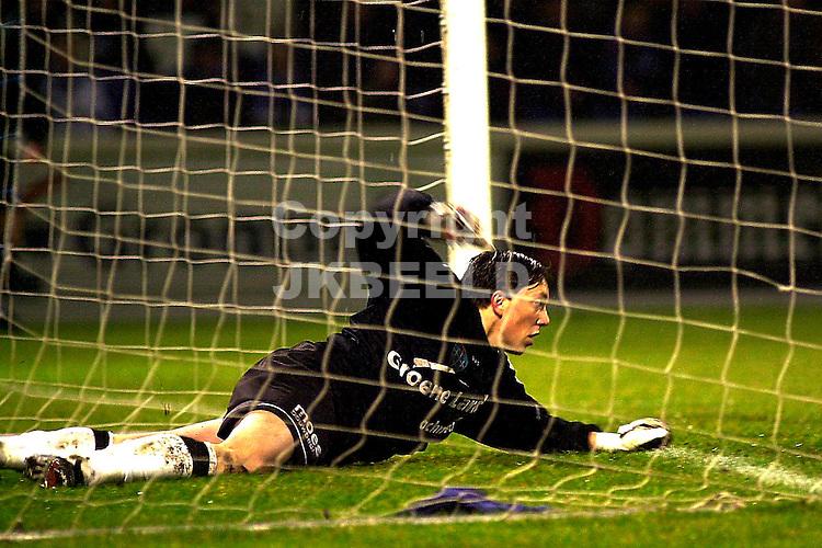 FC Zwolle - Ajax Holland Casino Eredivisie 08-03-2003 Doelman diederik de boer heeft de bal in eigen doel gewerkt