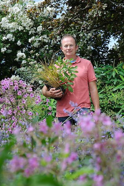 Toby Buckland - Practical Gardening Handbook - Shoot05 (22nd June 2009)