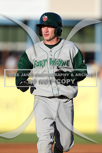 Fort Wayne TinCaps second baseman David Eckstein (7) on rehab assignment during a game vs. the West Michigan Whitecaps at Fifth Third Field in Comstock Park, Michigan August 18, 2010.   Fort Wayne defeated West Michigan 5-1.  Photo By Mike Janes/Four Seam Images