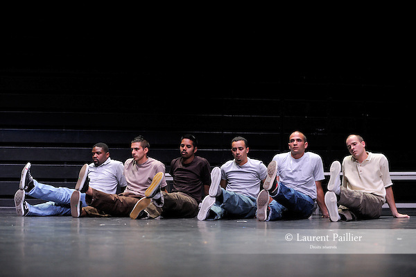 CONCOURS DANSE ELARGIE<br /> INSOLENTS SOLISTES<br /> Choregraphie : BERNIER Brice, JOUINI Sofian<br /> Avec :<br /> BERNIER Brice, JOUINI Sofian, BOUHEUDJEUR Karim, JOUINI Hocine, MONAR Jerome, RAVELOJAONA Eddy<br /> Lieu : Theatre de la Ville<br /> Ville : Paris<br /> Le : 27 06 2010<br /> © Laurent PAILLIER / photosdedanse.com<br /> All rights reserved