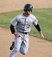 Salt River Rafters first baseman Ben Paulsen #44 during an Arizona Fall League game against the Phoenix Desert Dogs at Phoenix Municipal Stadium on November 1, 2011 in Phoenix, Arizona.  Salt River defeated Phoenix 10-7.  (Mike Janes/Four Seam Images)