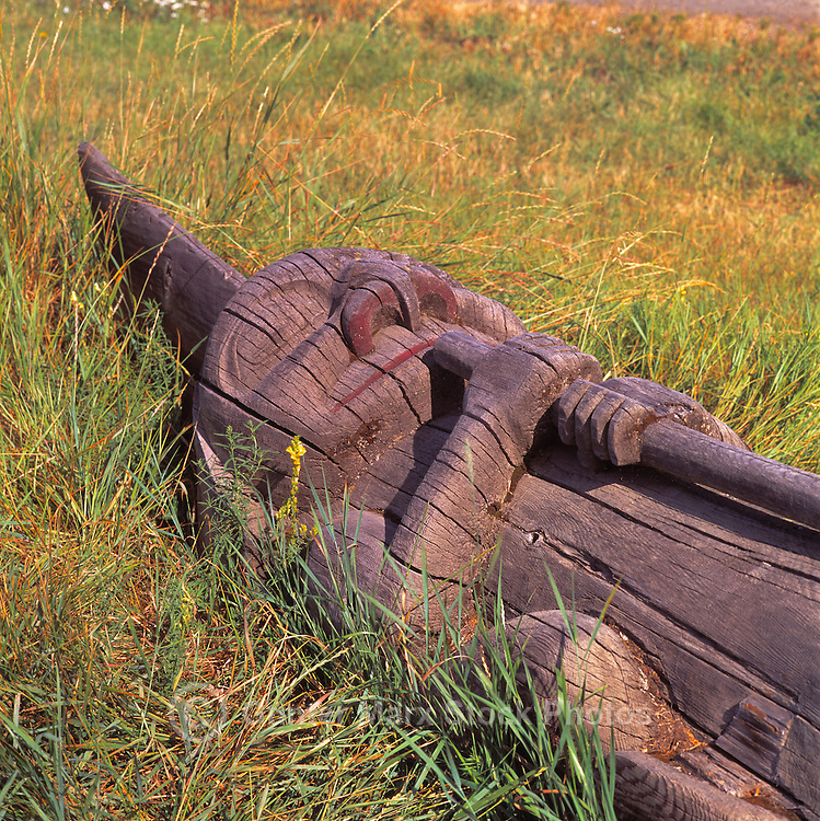 Gitxsan (Gitksan) Totem Pole, Gitwangak (Kitwanga), Northern BC, British Columbia, Canada, along Highway 37 and 16