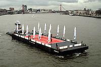 20040215, Rotterdam, ABNAMRO WTT, varende tennisbaan op de maas als publicireitsstunt van het ABNAMRO tennis Tournament