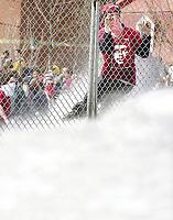 SOMMET DES AMERIQUES QUEBEC 2001 MANIFESTATION<br /> PHOTO JACQUES NADEAU AVRIL 2001<br /> 9 OCTOBRE 2004 P.A-1