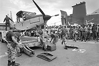 - Mozambique 1993, UN intervention after the Civil War, landing of the Italian Alpini in the port of Beira<br /> <br /> - Mozambico 1993, intervento ONU dopo la guerra civile, sbarco degli Alpini italiani nel porto di Beira