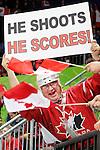 Vancouver 2010 - Para Ice Hockey // Para-hockey sure glace.<br /> Team Canada plays against Sweden in Para Ice Hockey action // Équipe Canada joue contre la Suède dans un match de para-hockey sur glace. 14/03/2010.