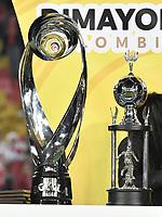 BOGOTÁ - COLOMBIA, 17-12-2017:El trofeo dela Liga Águila II 2017 es vistro previo al encuentro entre Independiente Santa Fe y Millonarios partido por la final vuelta de la Liga Aguila II 2017 jugado en el estadio Nemesio Camacho El Campin de la ciudad de Bogotá. / The trophy of the Aguila League II 2017 is seen prior the match between Independiente Santa Fe and Millonarios for the second leg final of the Aguila League II 2017 played at the Nemesio Camacho El Campin Stadium in Bogota city. Photo: VizzorImage/ Gabriel Aponte / Staff