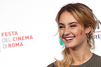 "L'attrice Grace Van Patten posa durante un photocall per la presentazione del film ""Tramps"" al Festival Internazionale del Film di Roma, 16 ottobre 2016.<br /> Actress Grace Van Patten poses for a photocall to present the movie ""Tramps"" during the international Rome Film Festival at Rome's Auditorium, 16 October 2016.<br /> UPDATE IMAGES PRESS/Isabella Bonotto"