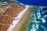 Vista aérea da Praia do Futuro em Fortaleza, Ceará. 1993. Foto de Juca Martins.