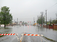 Marc Hayot/Herald-Leader<br /> Flooding on Progress heading south. Road closure from HWY 412 to Meridian Place.