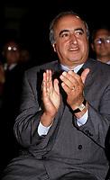 Sam Elkas<br /> <br />  in september 1992