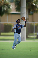 Emanuel Dean during the WWBA World Championship at the Roger Dean Complex on October 18, 2018 in Jupiter, Florida.  Emanuel Dean is an outfielder from Anaheim Hills, California who attends Servite High School and is committed to UCLA.  (Mike Janes/Four Seam Images)