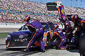 2017 Monster Energy NASCAR Cup Series - Kobalt 400<br /> Las Vegas Motor Speedway - Las Vegas, NV USA<br /> Sunday 12 March 2017<br /> Denny Hamlin, FedEx Office Toyota Camry pit stop<br /> World Copyright: Nigel Kinrade/LAT Images<br /> ref: Digital Image 17LAS1nk07320