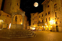 Medieval houses at night around Plazza Cisterna - San Gimignano - Italy