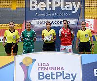 BOGOTA - COLOMBIA, 26-07-2021: Erika Sanchez, arbitra durante partido entre Independiente Santa Fe y La Equidad de la Fase de Grupos de la fecha 4 por la Liga Femenina BetPlay DIMAYOR 2021 jugado en el estadio Nemesio Camacho El Campin en la ciudad de Bogota. / Erika Sanchez, referee during a match between Independiente Santa Fe and La Equidad of the Group Phase the 4th date for the Women's League BetPlay DIMAYOR 2021 played at the Nemesio Camacho El Campin stadium in Bogota city. / Photos: VizzorImage / Samuel Norato / Cont.