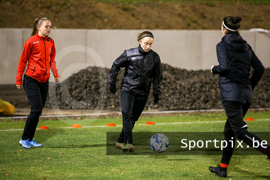 Estelle Peron (45) of Woluwe warms up before a female soccer game between FC Femina White Star Woluwe and Club Brugge YLA on the eleventh matchday of the 2020 - 2021 season of Belgian Scooore Womens Super League , Friday 22 January 2021  in Woluwe , Belgium . PHOTO SPORTPIX.BE | SPP | SEVIL OKTEM