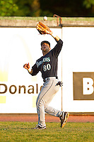 Pulaski Mariners left fielder Richard Palase #80 catches a fly ball during the Appalachian League game against the Bluefield Blue Jays at Bowen Field on July 1, 2012 in Bluefield, West Virginia.  The Mariners defeated the Blue Jays 4-3.  (Brian Westerholt/Four Seam Images)