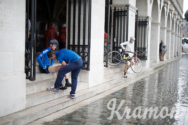 a pre-race rub-down on the steps of the university library<br /> <br /> 50th GP Jef Scherens 2016