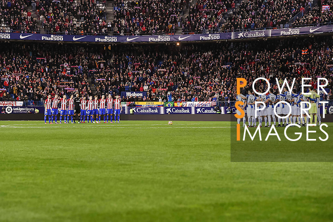 Players of Atletico de Madrid and RCD Espanyol line up during the La Liga match between Atletico de Madrid and RCD Espanyol at the Vicente Calderón Stadium on 03 November 2016 in Madrid, Spain. Photo by Diego Gonzalez Souto / Power Sport Images