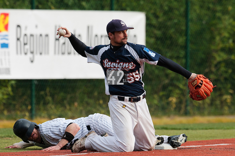 23 October 2010: Florian Peyrichou of Savigny is seen on third base during Savigny 8-7 win (in 12 innings) over Rouen, during game 3 of the French championship finals, in Rouen, France.