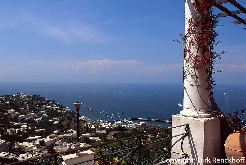 Italien, Capri, Blick von Endstation der Seilbahn in Ort Capri
