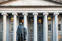northern entrance of the US Treasury building, Washington D.C., USA