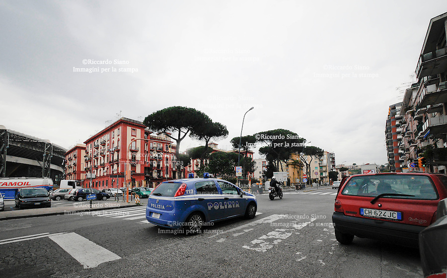 - NAPOLI 11 MAR  2014 - auto polizia fuorigrotta e stadio san paolo