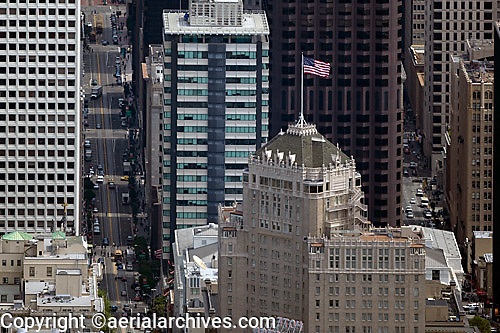 aerial photograph Mark Hopkins hotel, 555 California Street skyscrapers San Francisco