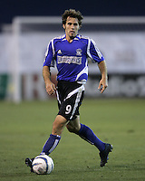 23 April 2005: Earthquakes' Brian Mullan in action against Wizards at Spartan Stadium in San Jose, California.   Earthquakes defeated Wizards, 3-2.  Credit: Michael Pimentel / ISI