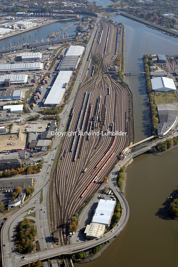 Hafenbahnhof am Veddeler Damm: EUROPA, DEUTSCHLAND, HAMBURG, (EUROPE, GERMANY), 13.10.2018: Hafenbahnhof am Veddeler Damm