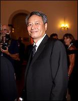 Le prÈsident du jury Ang Lee arrive au dÓner d'ouverture de la Mostra - Festival de Venise 2009