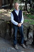 Lo scrittore Erri De Luca ritratto a Roma, 14 aprile 2009..Italian writer Erri De Luca, Rome, 14 april 2009..UPDATE IMAGES PRESS/Riccardo De Luca