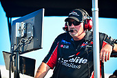 #18: Harrison Burton, Kyle Busch Motorsports, Toyota Tundra Safelite AutoGlass, Mike Hillman Jr