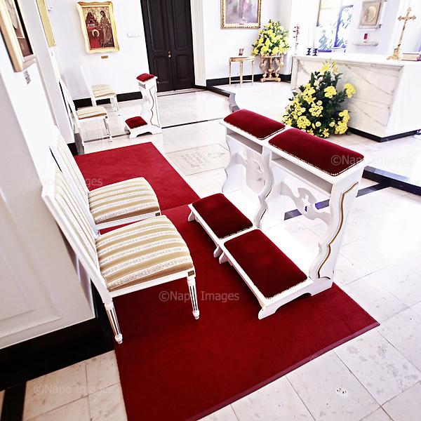 WARSZAWA, 28/06/2010: Kaplica prezydenta Lecha Kaczynskiego, tak jak pozostala po jego smierci w katastrofie Smolenskiej. <br /> Wnetrze w palacu prezydenckim po katastrofie smolenskiej, w ktorej smierc poniosl prezydent Lech Kaczynski. <br /> Palac Prezydencki, Warszawa, Czerwiec 2010<br /> Fot: Piotr Malecki / Napo Images<br /> <br /> Warsaw, Poland, June 2010: Empty interior of a chapel of Presidential Palace after Polish president Lech Kaczynski went for the flight that was to end in a crash.at the cabinet .  (Photo by Piotr Malecki / Napo Images)