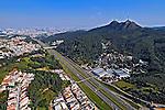 Vista aérea do Pico do Jaraguá. São Paulo. 2008. Foto de Juca Martins.