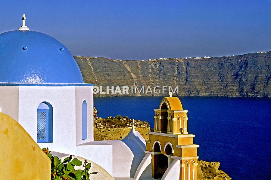 Igreja Ortodoxa na Ilha de Santorini, Grécia. 2000. Foto de Renata Mello.
