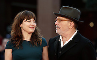 Il regista statunitense David Mamet posa con la moglie attrice e cantante britannica Rebecca Pidgeon sul red carpet del Festival Internazionale del Film di Roma, 18 ottobre 2016.<br /> U.S. director David Mamet poses with his wife the British actress and singer Rebecca Pidgeon on the red carpet during the international Rome Film Festival at Rome's Auditorium,18 October 2016.<br /> UPDATE IMAGES PRESS/Isabella Bonotto