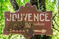 France, Cote d'Or, Val Suzon  Regional Natural Reserve, Etaules, Foret Domaniale de Val Suzon, Jouvence Park, site of the Fontaine de Jouvence // France, Côte d'Or (21), réserve Naturelle Régionale du Val-Suzon, Étaules, forêt domaniale de Val-Suzon, parc de Jouvence, site de la Fontaine de Jouvence