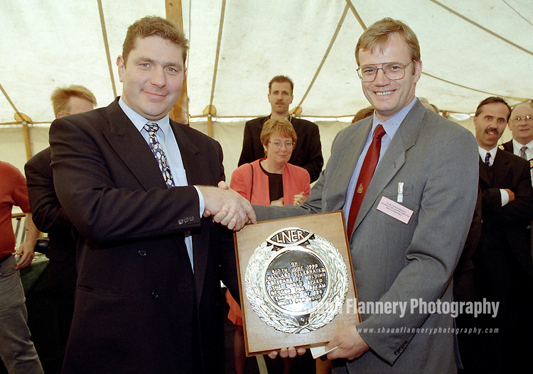 Pix: Shaun Flannery/shaunflanneryphotography.com...COPYRIGHT PICTURE>>SHAUN FLANNERY>01302-570814>>07778315553>>..7th June 1998..Doncaster Railfest 1998 held as a celebration of the 60th anniversary for the world speed record for steam traction at 126mph by the Gresley A4 Pacific Mallard..