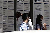 Campinas (SP), 07/04/2021 - Emprego - Movimento em agência de emprego nesta quarta-feira (7). As novas restrições da pandemia de covid-19 em Campinas, no interior de São Paulo, impactaram o total de vagas disponíveis no mercado de trabalho. No comparativo entre janeiro e março, a queda no número de vagas é de 69,5%.